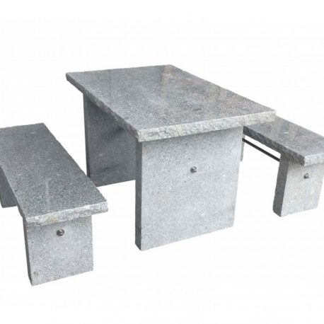 Granit-Sitzgruppe-Traunstein-Webshop.jpg